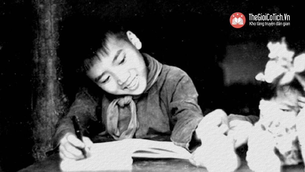 Nhà thơ Trần Đăng Khoa khi lên 8 tuổi
